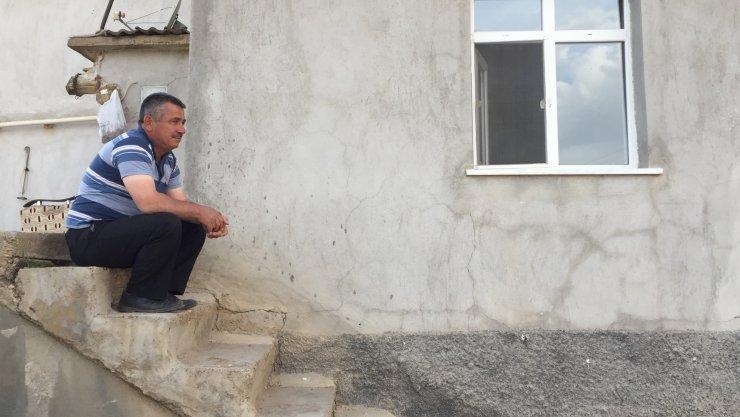 Derbent'te İmam Mahalleyi Açık Hava Mescidine Çevirdi