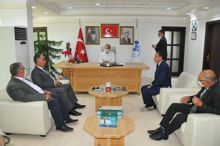 MHP Konya İl Başkanı Karaarslan'dan maskesiz Akşehir çıkarması!