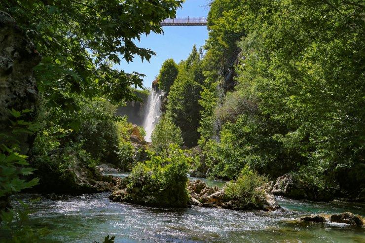 Konya'da yaşamanın ayrıcalığının tadını çıkarın ve haftasonu Hadim Yerköprü Şelalesi'ni gezin!