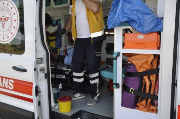 Yarış motosikleti Konya'da şarampole uçtu! 2 ağır yaralı