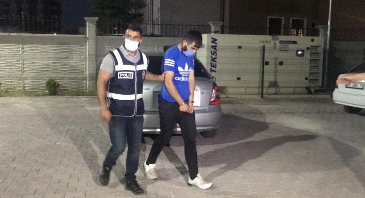 Konya'da kendi çalıştığı işyerini soyan 2 kafadar yakalandı