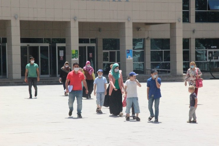 Interpol Tarafından Aranan DEAŞ'lı Kadınlar Türkiye'de Bulundu