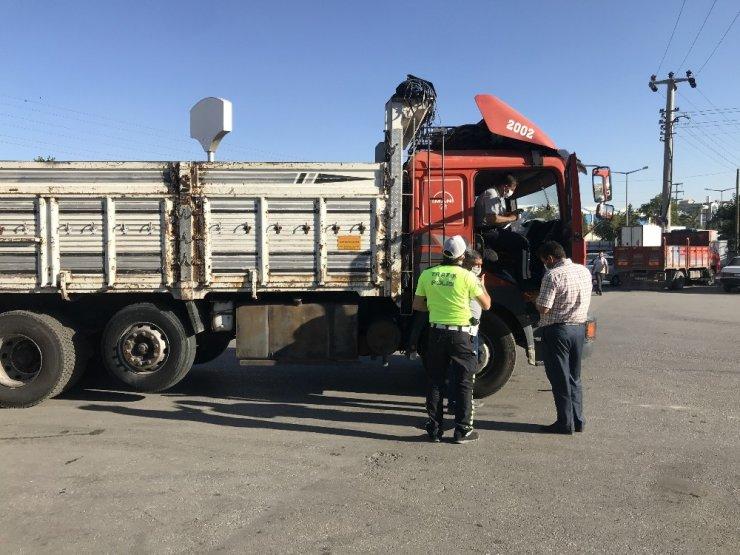 Konya kamyon garajında kamyon motosiklete çarptı! 1 kişi öldü