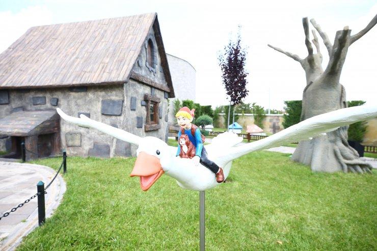 Çocukların gözdesi 80 Binde Devr-i Alem Parkı 2 milyon ziyaretçi kabul etti