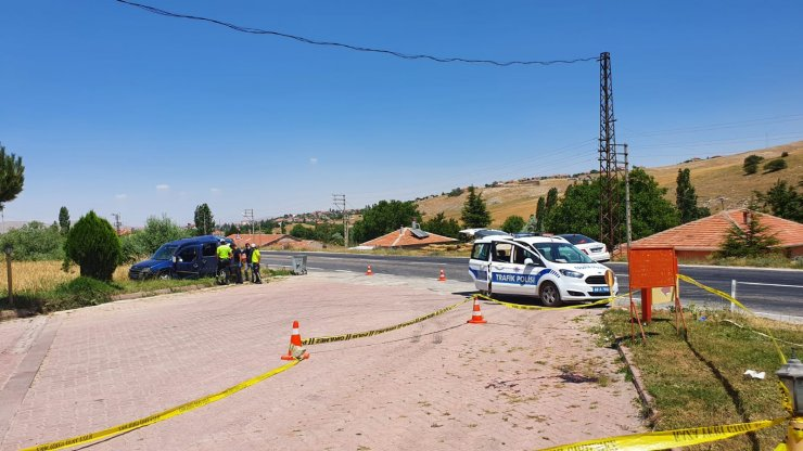 Konya plakalı araç Aksaray'da şarampole devrildi! Sürücüsü öldü