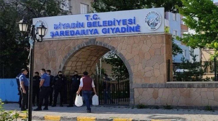 Diyadin Belediye Başkanı Betül Yaşar gözaltına alındı