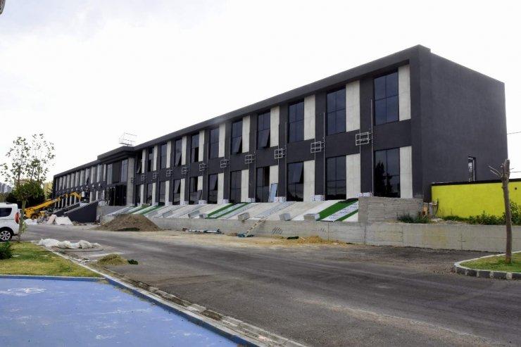 Aliağa Belediyesi ek hizmet binasında son rötuşlar