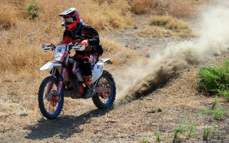 Kemer'de Sea To Sky Enduro Motosiklet Yarışları'nın orman etabı yapıldı