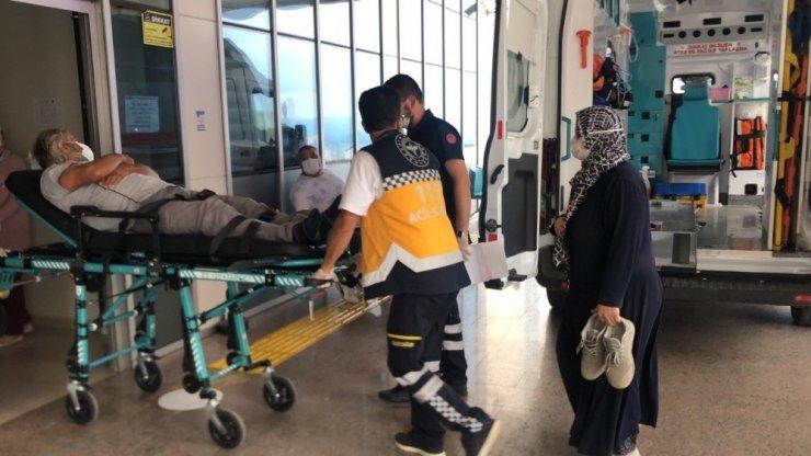 Kamyon, çarptığı otomobili metrelerce sürükledi: 2 yaralı