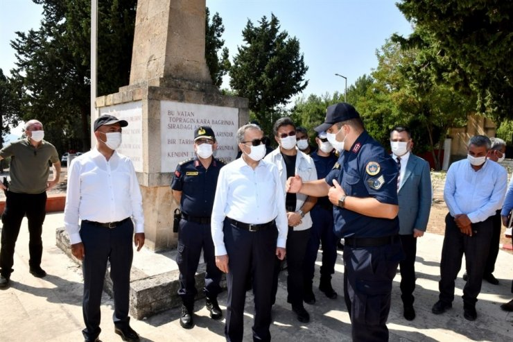 Vali Su, Tarsus'ta vatandaşlarla bir araya geldi