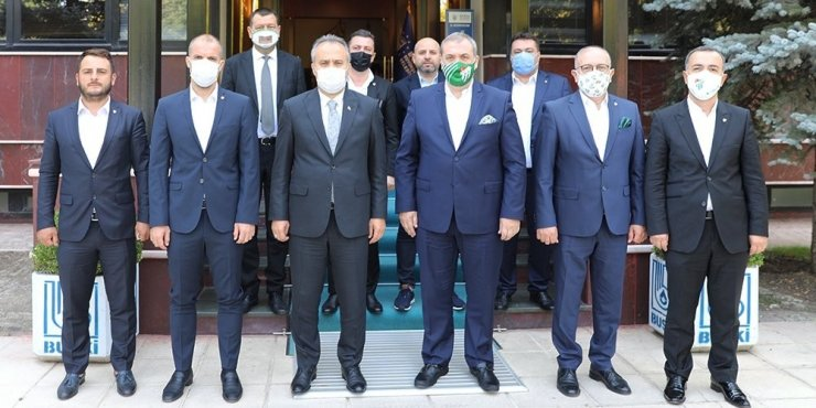 Bursaspor, Büyükşehir Belediye Başkanı Alinur Aktaş'ı ziyaret etti
