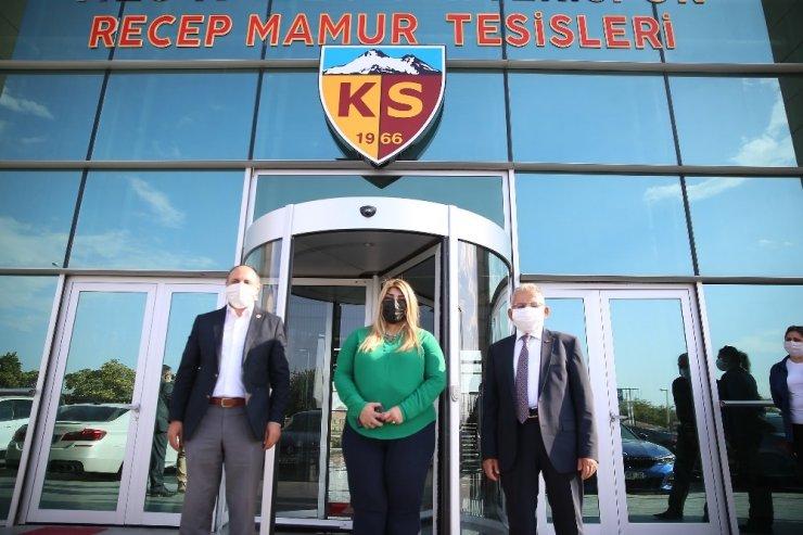 Başkan Büyükkılıç'tan Kayserispor'a maç öncesi moral ziyareti