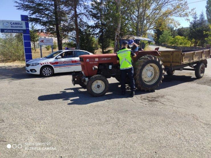 """Jandarma timleri trafikte """"Olmazsa Olmaz"""" eksiklikleri denetledi"""