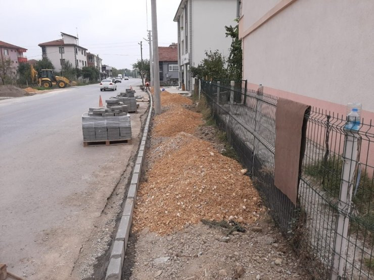 Düzce'de kaldırımsız cadde sokak kalmayacak
