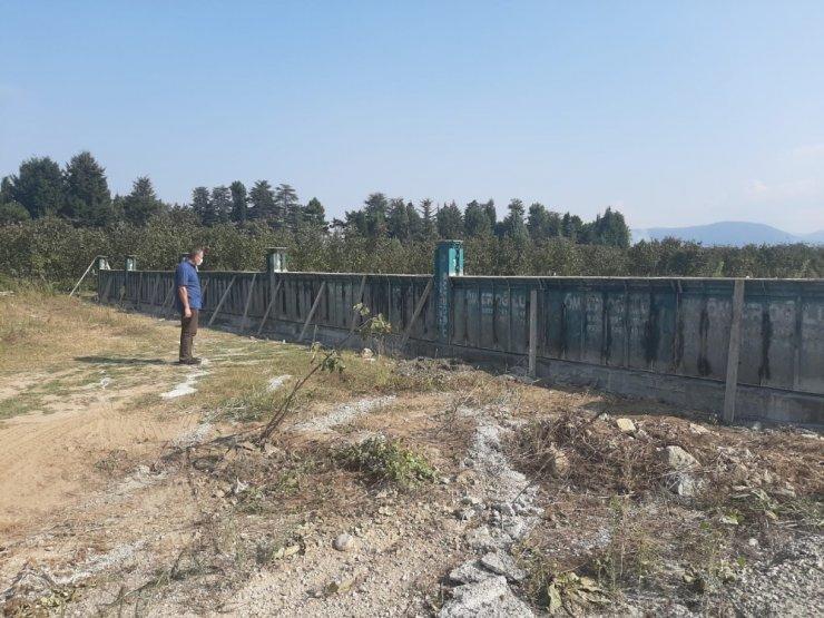 Mezarlıkların çevre duvarları yapılıyor