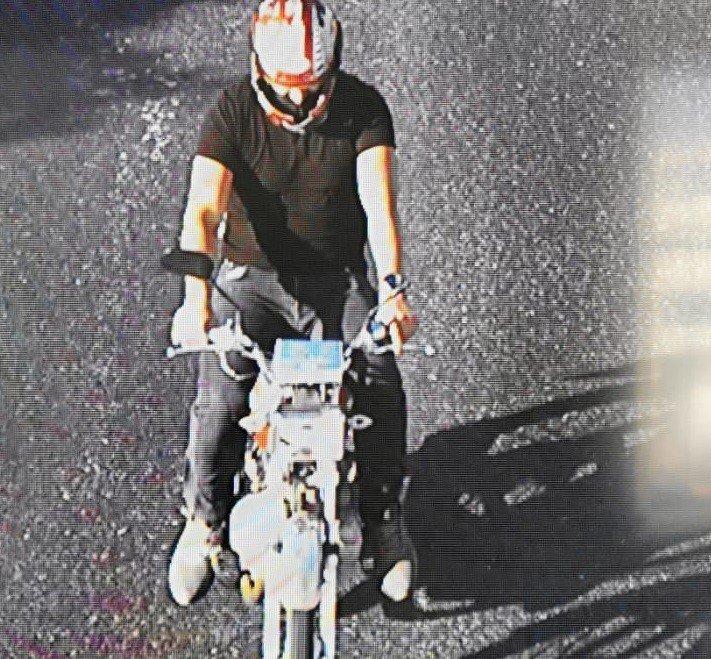 İzmir'de motosiklet hırsızları suçüstü yakalandı