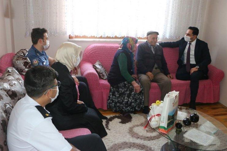 Kaymakam Erdem ilk ziyaretini şehit ailelerine yaptı