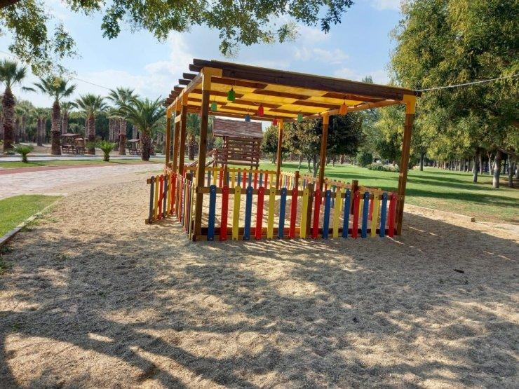 Akhisar Belediyesinden çocuklara 7 yeni oyun parkı