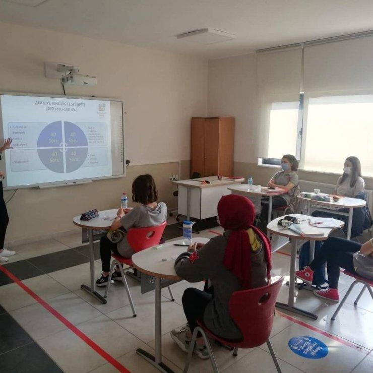 Bahçeşehir'de öğrencilere YKS tanıtımı yapıldı