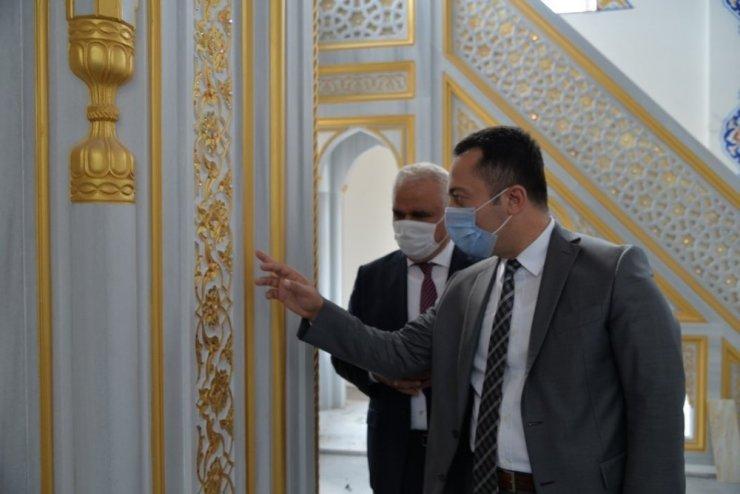 Bir hayırsever tarafından yaptırılan camide sona gelindi