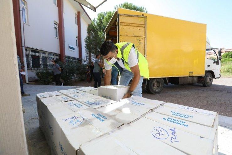 Buca Belediyesinden okullara 100 tonluk hijyen malzemesi