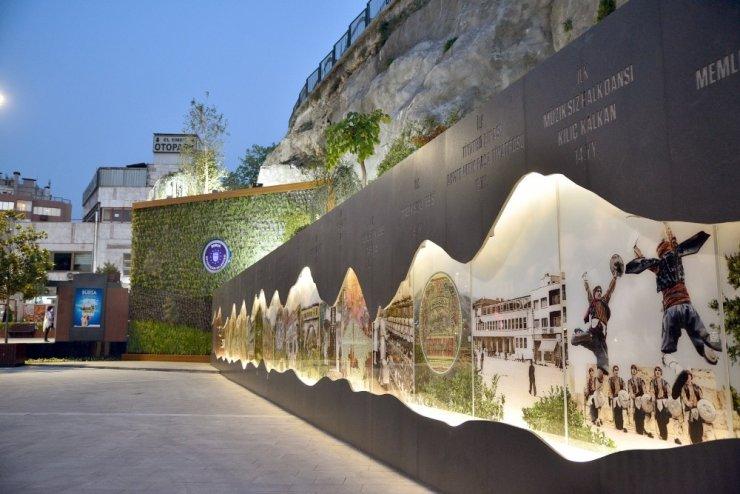 Altıparmak'a anı duvarı