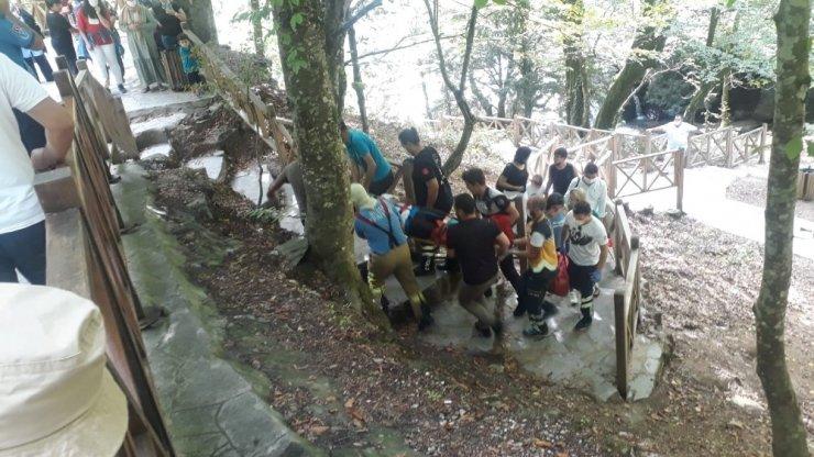 Bursa'da şelalede fotoğraf çektirmek isteyen sağlıkçı kayalıklardan düştü