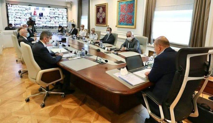 Vali Atay, korona virüs tedbirleri değerlendirme toplantıları online katıldı