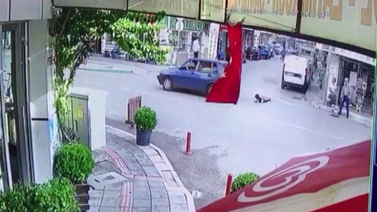 Bursa'da inanılmaz olay...Kapı açıldı çocuk böyle düştü