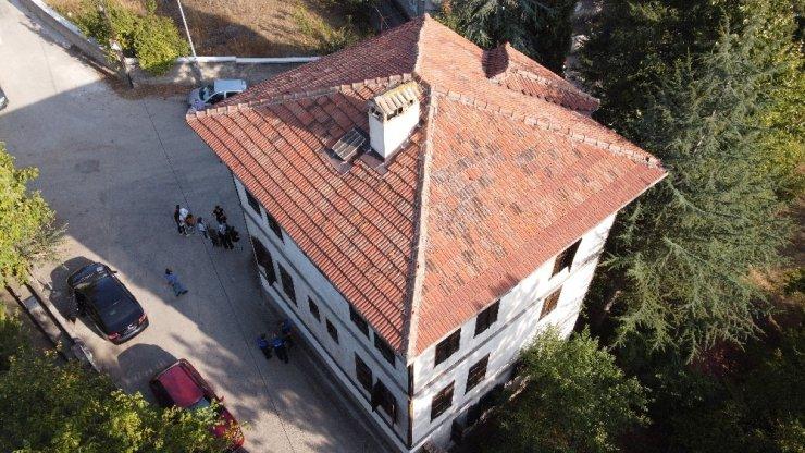 Safranbolu'da 130 yıllık tarihi konağa 'En İyi Korunan Ev' plaketi