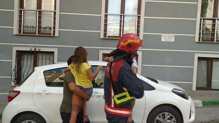 Bursa'da yangın 5 kişilik aileyi uykuda yakaladı
