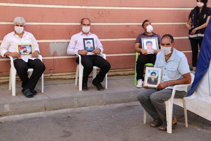 HDP önündeki ailelerin evlat nöbeti 389'uncu gününde