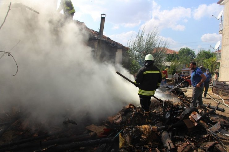 Pekmez kaynatırken evi yakıyorlardı
