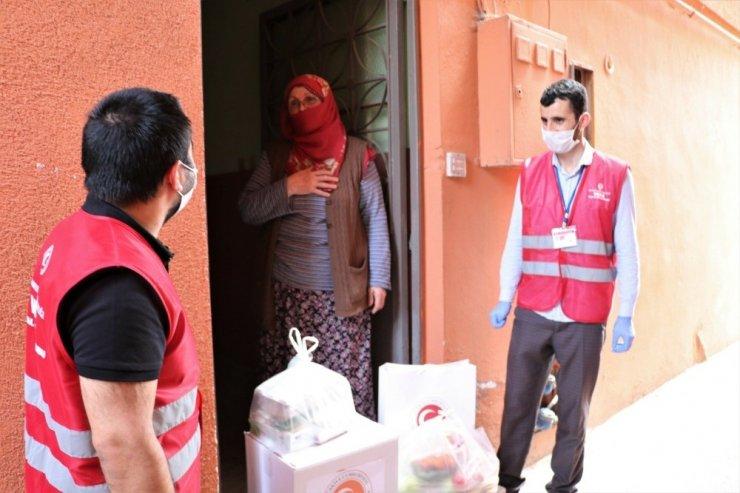 Sultanbeyli Kaymakamlığı korona virüsle mücadelede vatandaşların yardımına koşuyor