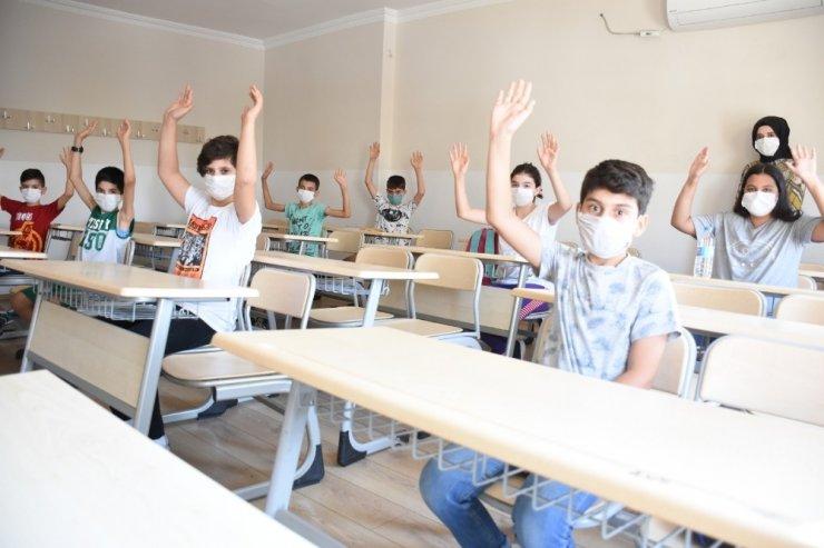 Bilgi Evi'nden öğrenci ve velilere oryantasyon eğitimi