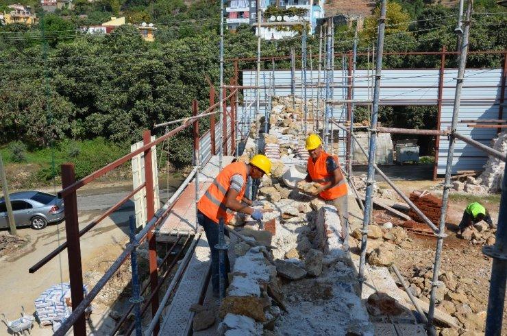 Alanya Gülevşen Cami'nin restore çalışmaları sürüyor