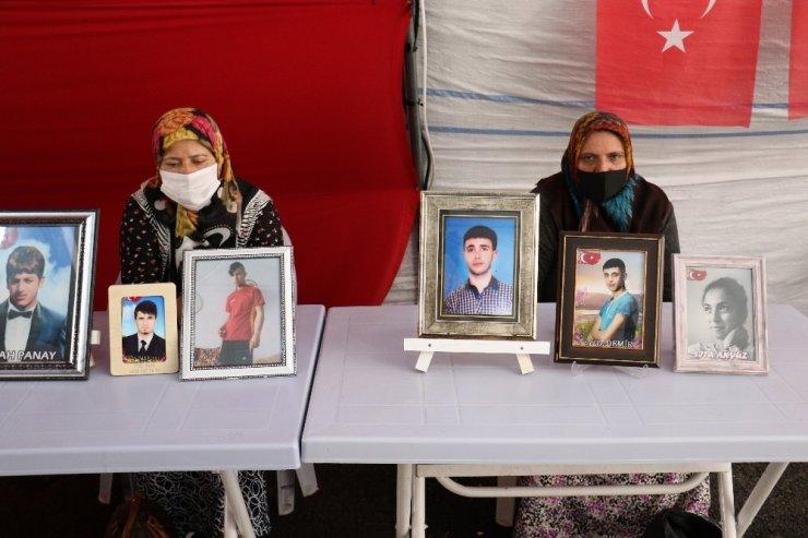 HDP önündeki ailelerin evlat nöbeti 390'ıncı gününde