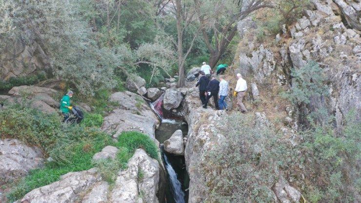 Kıbrıs Kanyonu'nda köşe bucak temizlik