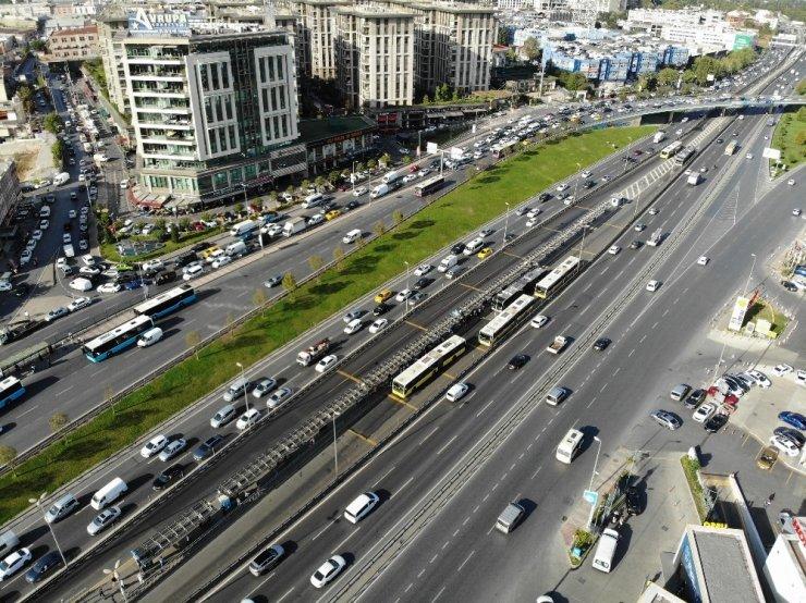 İstanbul'da kademeli mesainin ilk gününde trafikte son durum
