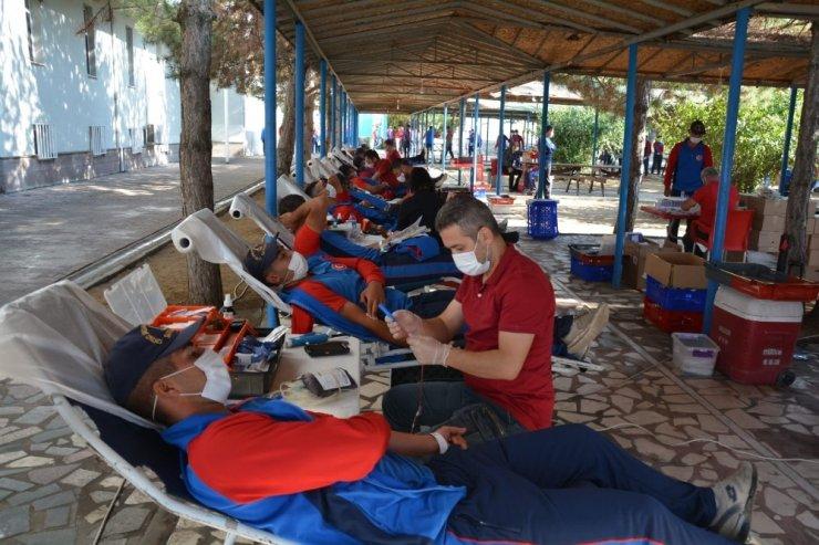 Mehmetçikten kan bağışına destek