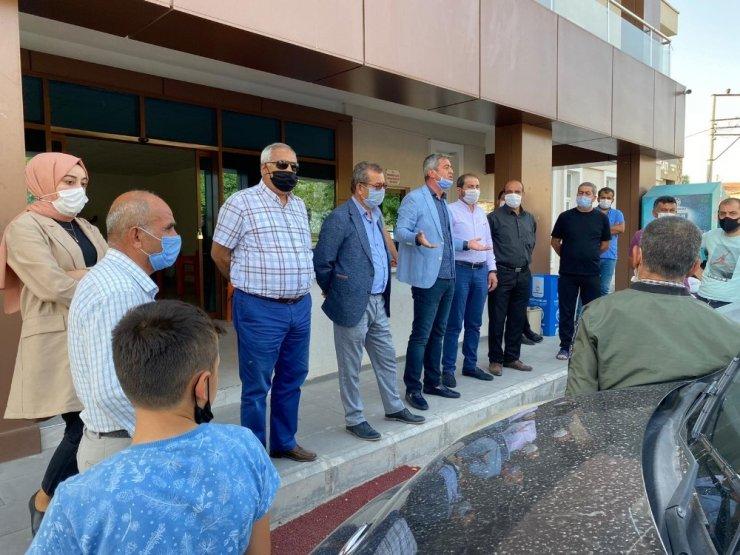 İyi Partili Kazım Yücel Cırgalan'da vatandaşları dinledi