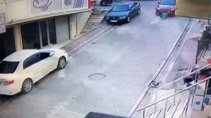 Sokakta oynayan çocuk arabanın altında kaldı