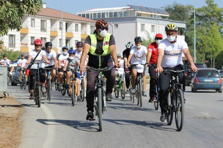 Düzce'de bisiklet turu düzenlendi