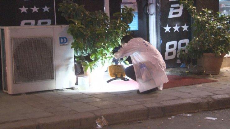 İzmir'de silahlı saldırıdan kaçan kişiler fırına sığındı
