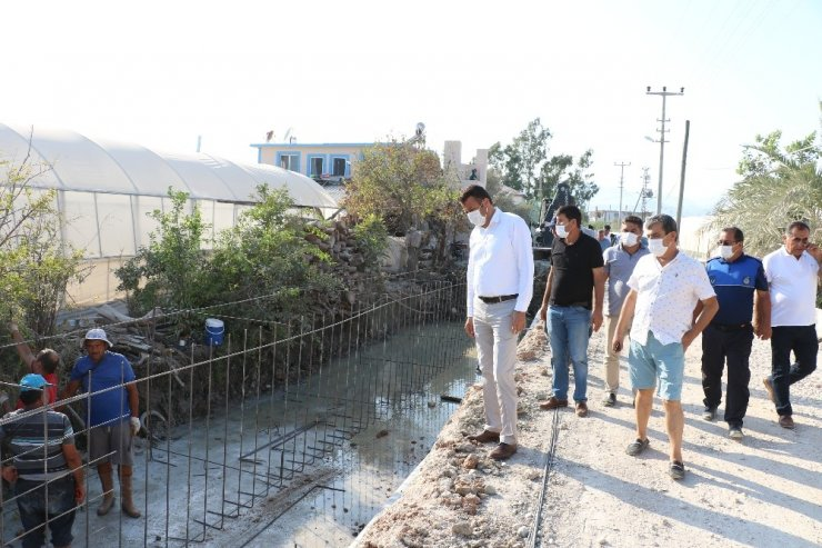 Kaş Belediyesinden 420 metre uzunluğunda sulama kanalı