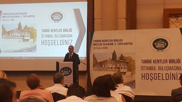 Başkan Büyükkılıç İstanbul'dan ödül ile döndü