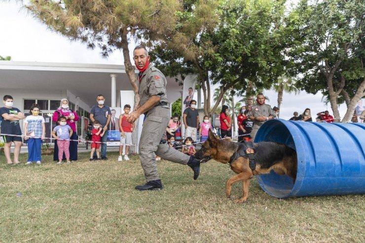 Mersin'de İtfaiye Haftası'nda çocuklara özel arama-kurtarma etkinlik