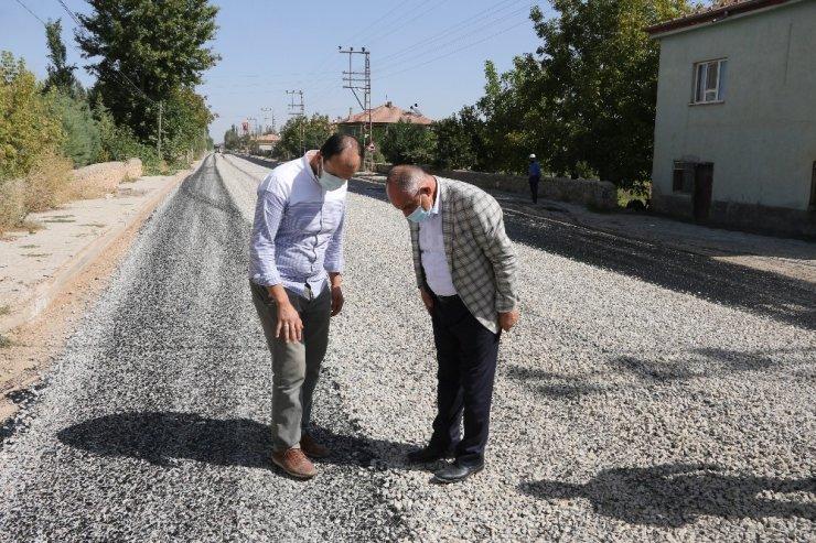 Yahyalı'da kırsal mahallelerin yolları yapılıyor