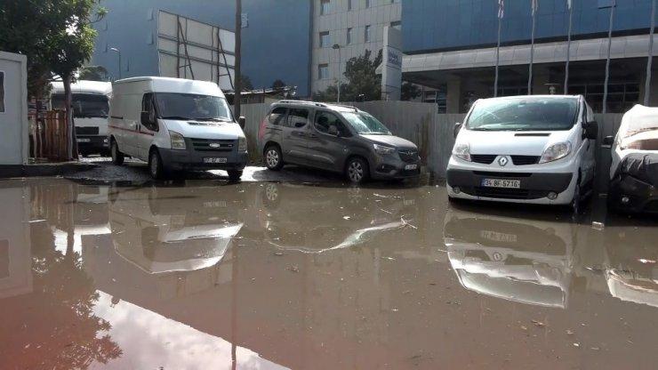 İstanbul'daki etkili yağış esnafı da vurdu