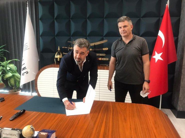 Kayseri Gençlerbirliği Bayan Futbol Takımının yeni sponsoru Sedat Kılınç İnşaat oldu